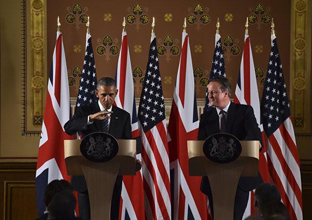 O presidente dos Estados Unidos, Barack Obama, em coletiva de imprensa ao lado do premier britânico David Cameron, em Londres