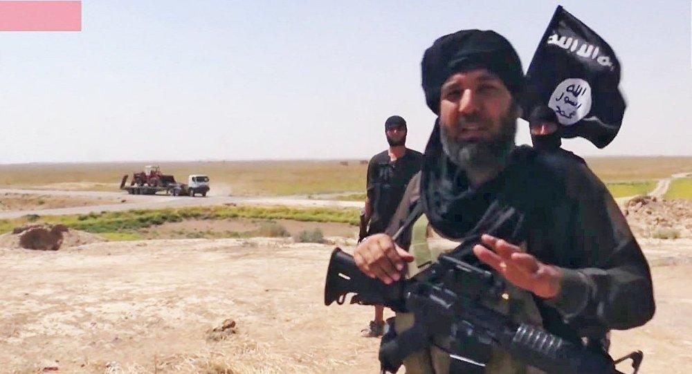 Militantes do Daesh na fronteira entre Iraque e Síria