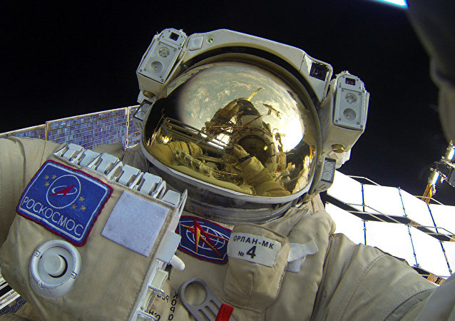 Cosmonauta russo no espaço, 3 de fevereiro de 2016