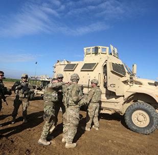 Por volta de 150 soldados americanos chegaram a nordeste da Síria, de acordo com forças de segurança curdas