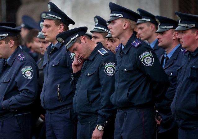 Os policiais em Odessa, maio 2014