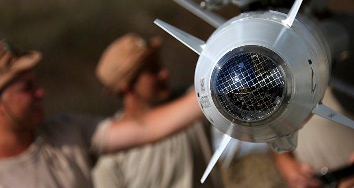 Inspeção de misseis das caças na base aérea Hmeymim
