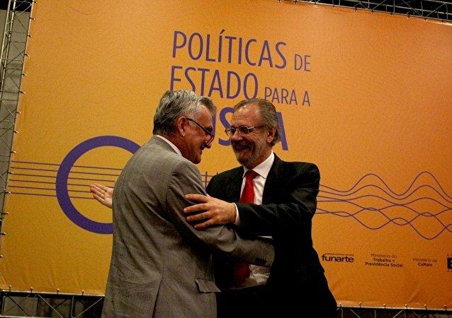 Ministros Juca Ferreira e Miguel Rossetto (direita)