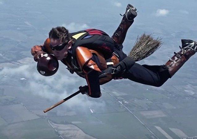 Paraquedistas jogam quadribol