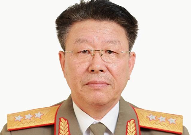 General Ri Yong-gil (foto divulgada pela Agência Central de Notícias da Coreia - KCNA - em 10 de maio de 2016)