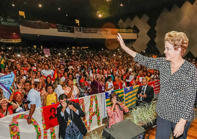 Presidente Dilma Rousseff participa da Cerimônia de abertura da 4ª Conferência Nacional de Política para as Mulheres, em Brasília. 10/05/2016