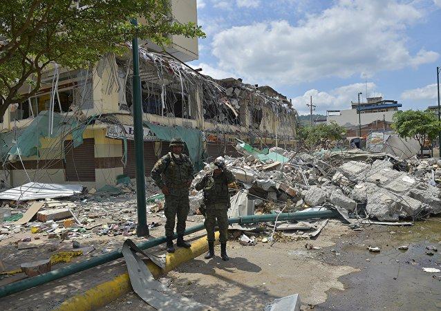 Cidade equatoriana de Portoviejo após o terremoto de 16 de abril de 2016