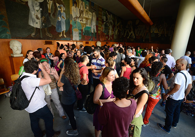 Grupo ocupa prédio do Ministério da Cultura no centro do Rio de Janeiro pelo fim do órgão no país