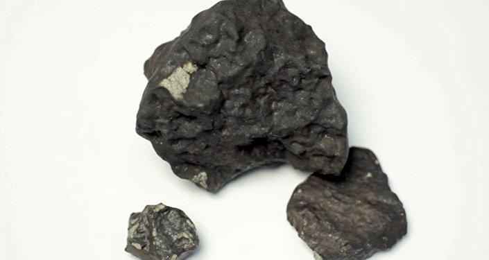 Fragmento de meteorito (imagem referencial)