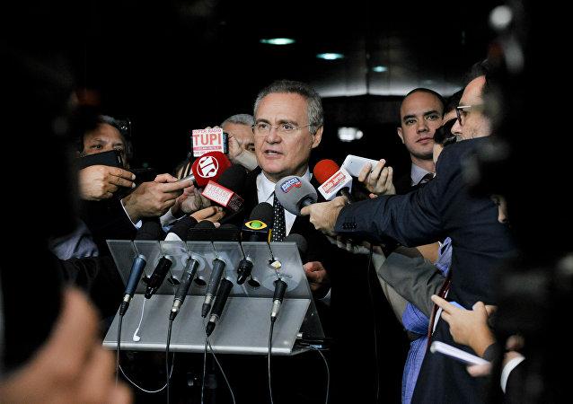 Renan Calheiros conversa com a imprensa sobre recriação do Ministério da Cultura