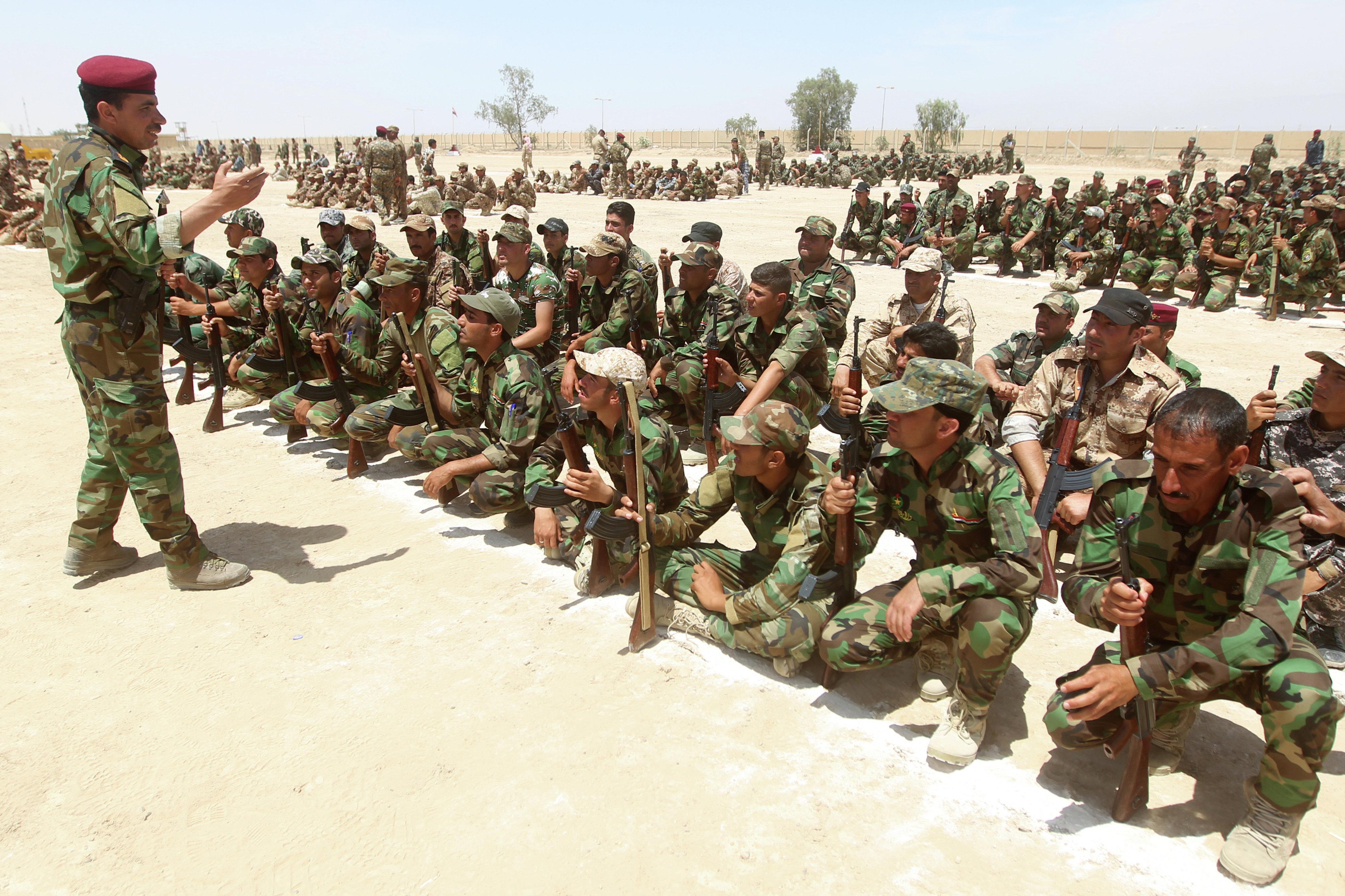 Voluntários sunitas do Iraque na província de Anbar