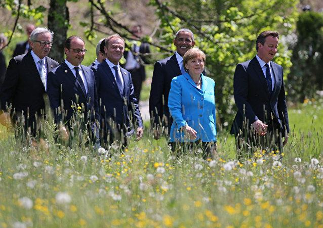 Líderes do G7 chegam para a primeira sessão de trabalho da cúpula do G7 perto de Garmisch-Partenkirchen, Alemanha, 7 de junho de 2015