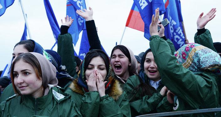 Comemoração do aniversário de reunificação da Crimeia com a Rússia, em Grozny