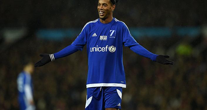 Ronaldinho Gaúcho se filia ao PRB para concorrer às eleições pelo DF