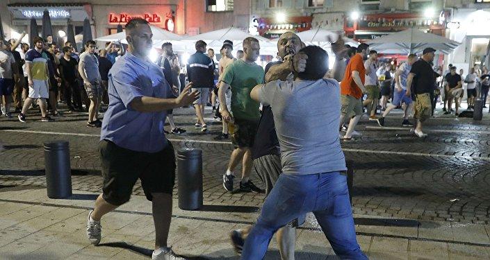 Rixa entre torcedores em Marselha