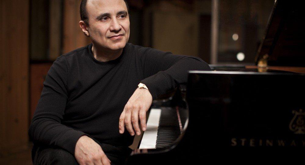 Pianista dominicano de jazz Michel Camilo está no Brasil