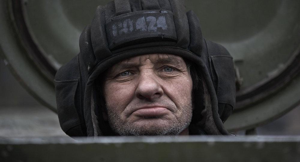 Mecânico de tanque das milícias independentistas de Donetsk