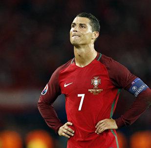 Portugal de Cristiano Ronaldo é o primeiro a garantir vaga nas semis da Euro 2016