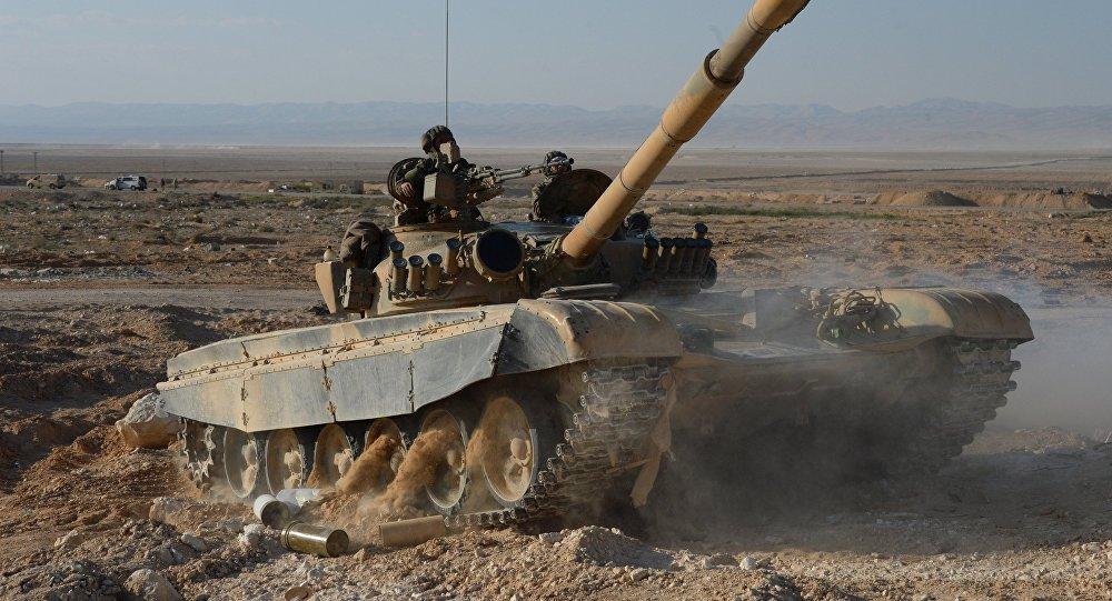 Tanque T-72 a 10 km de Palmyra