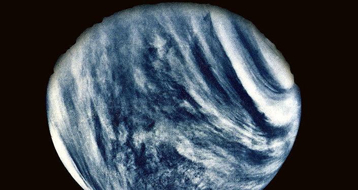 Primeiro foto de Vénus feito pela sonda planetária Mariner 10