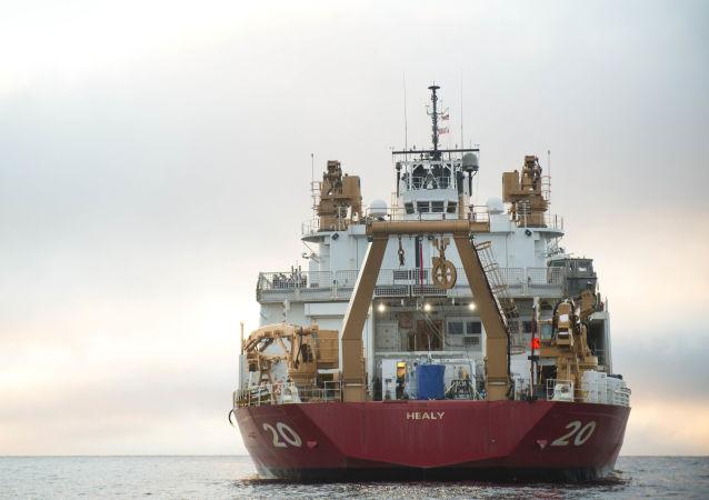 O maior quebra-gelo estadunidense USCGS Healy