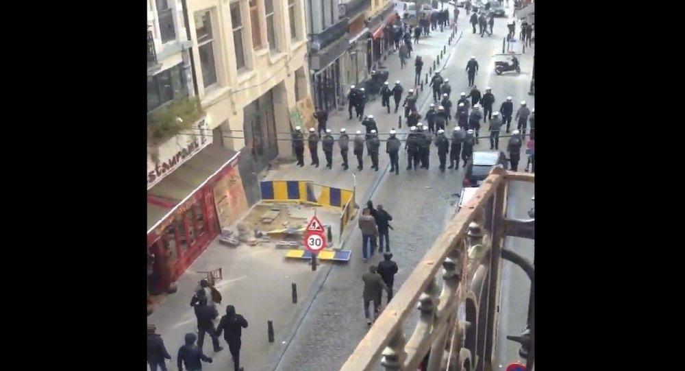 Bruxelas tem violência após final da Copa Bélgica