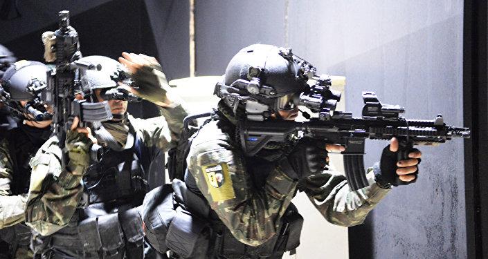 Exercício anti-terrorismo de forças especiais brasileiras