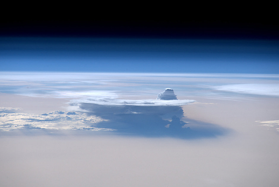 Heavenly Beauty: Space Explorers Capture Earth at Its Finest