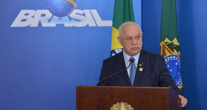 Teori Zavascki diz que Brasil está 'enfermo' e precisa de 'remédios amargos'