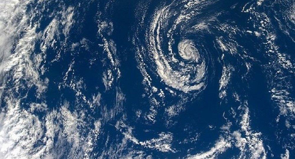 Nuvens sobre o Oceano Mundial