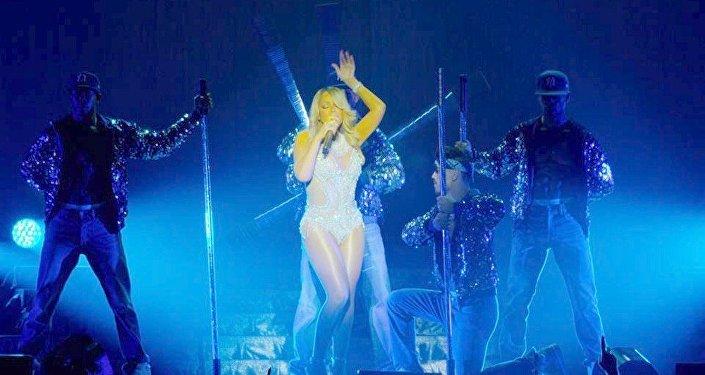 Mariah Carey fará turnê no Brasil