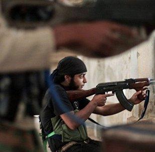 Militantes do Daesh durante uma operação na Síria