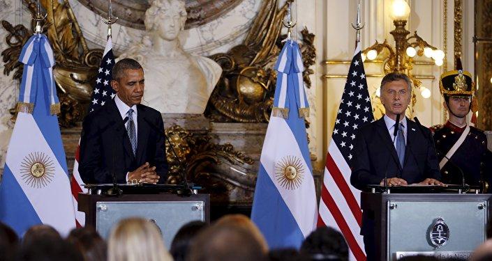 O presidente argentino Mauricio Macri e o seu homologo estadunidense Barack Obama