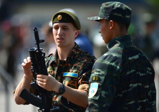 """Exercícios táticos conjuntos das forças especiais da Guarda Nacional da Rússia e da Polícia Armada do Povo da China (PAP) """"Cooperação-2016"""""""