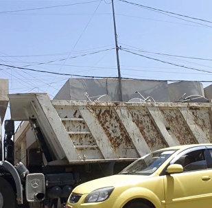 Camião carregado de antenas parabólicas confiscadas por terroristas em Mosul