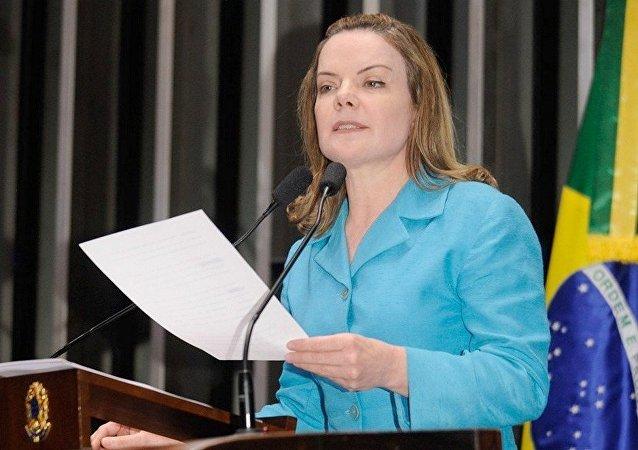 Senadora Gleisi Hoffmann acusa governo Temer de colocar o Mercosul em risco