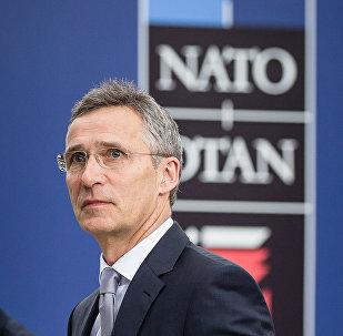 O secretário-geral da OTAN Jens Stoltenberg na cimeira da OTAN em Varsóvia (Polônia)