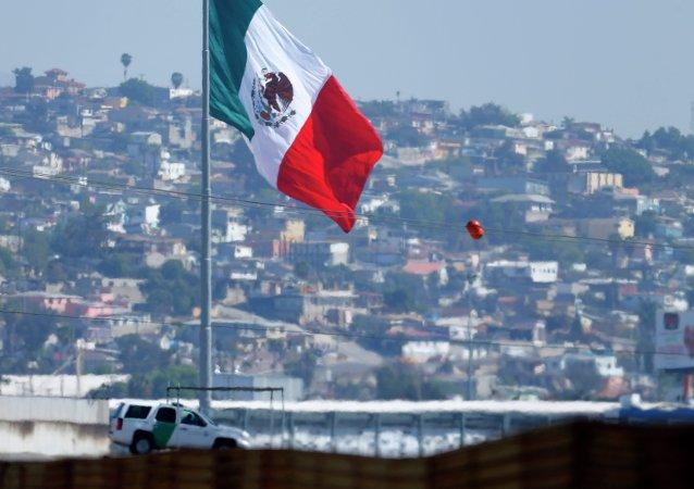 Zona de fronteira dos EUA com o México, entre Tijuana (México) e San Ysidro (Califórnia)