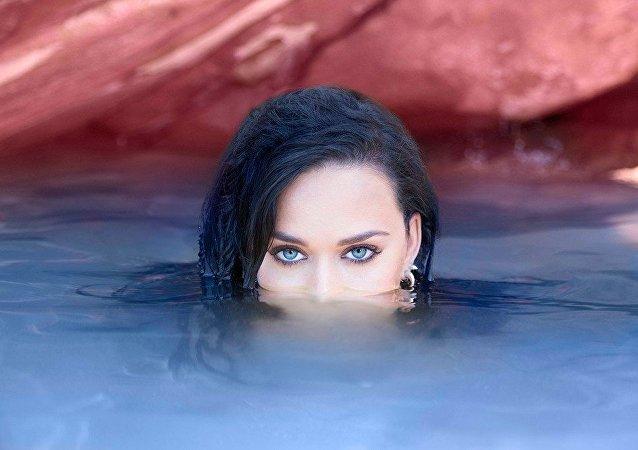 Katy Perry lança a canção Rise tema extra-oficial para os Jogos Olímpicos Rio 2016