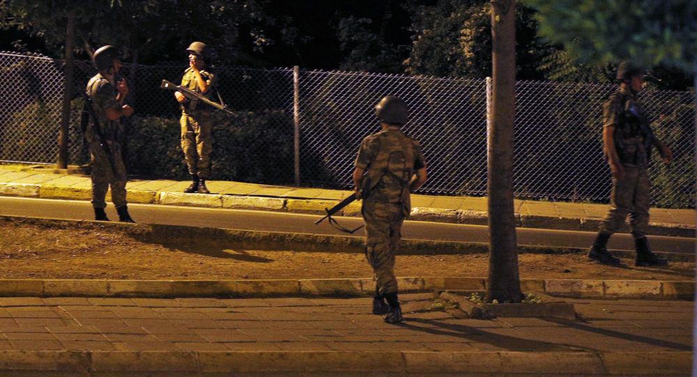 Soldados turcos em Istambul