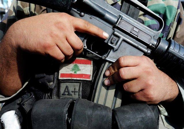 Fontes militares confirmaram mais de 800 disparos nas regiões de Ras Baalbek, Arsal e Qaa