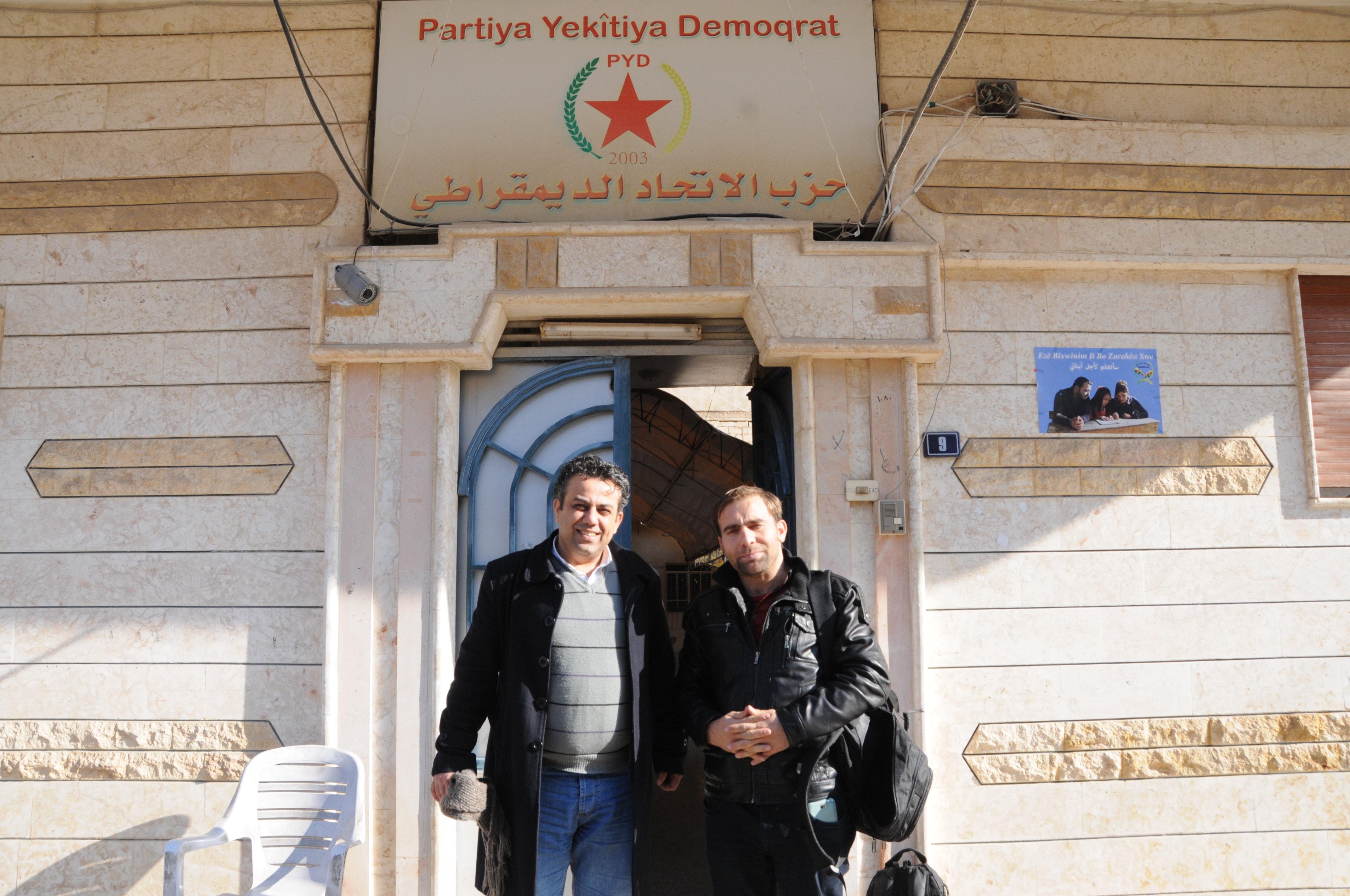 Membro do partido curdo União Democrática» (PYD), Siyanek Dibo
