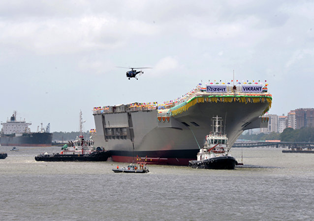 Porta-aviões convencional o INS Viraat nos estaleiros de Cochin Shipyard Limited
