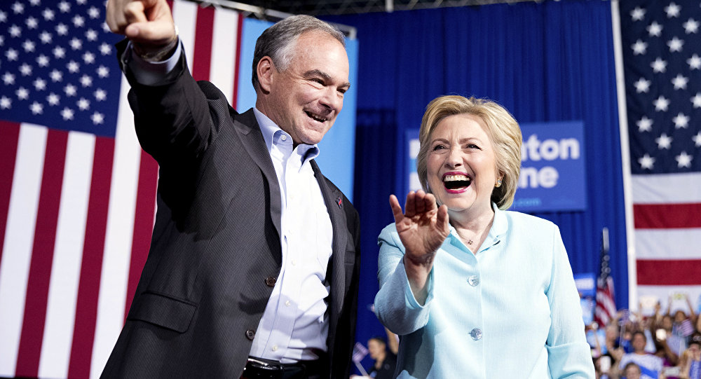 Hillary Clinton e Tim Kaine durante evento do Partido Democrata, em Miami, Florida