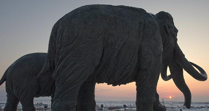 Monumento de mamute na Rússia