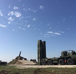 Sistema modernizado da defesa antiaérea S-400