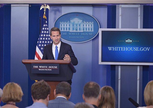 Eric Schultz, vice-secretário de imprensa da Casa Branca