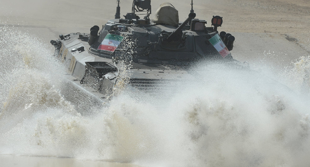Veículo de combate de infantaria iraniano BMP-2 no terceiro dia de Jogos Internacionais do Exército, região de Moscou, Rússia, 1 de agosto de 2016