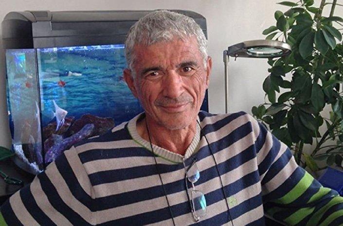 Hayri Akgun, chefe da filial do Partido da Liberdade e Solidariedade na região turca de Adana