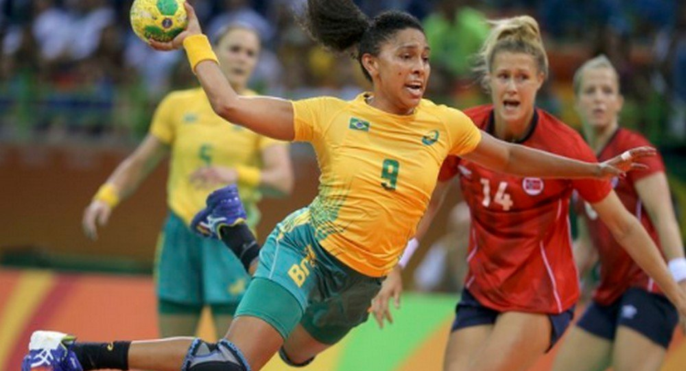As meninas do handebol do Brasil vencem as Norueguesas